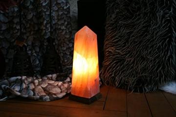 Salzkristall-Lampe Obelisk von Biova