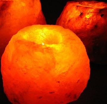 Salzkristallleuchte für Teelichter naturbelassen orange